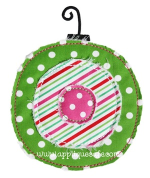 Raggy Ornament Applique Design